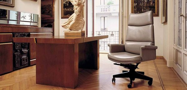 Tripla A Mascheroni leather chair